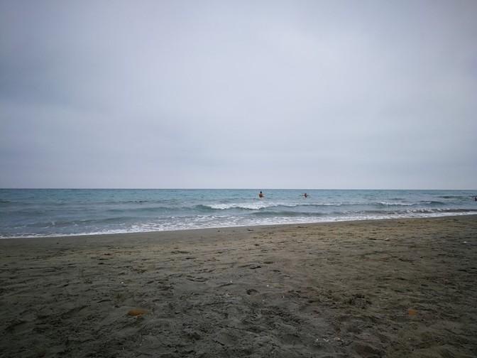 Quand un mec tente de me draguer à la plage