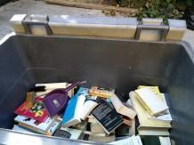 poubelle livres